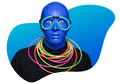Blue Man con gafas y collar brillante